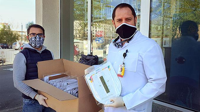 """Д-р Янко Пъхнев приема дарение от """"Джей Пойнт"""" ООД."""