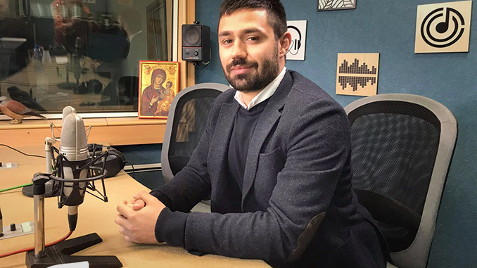 """Д-р Антонио Тенев от Отделение по детска коремна хирургия бе номиниран в класацията """"40 до 40"""" на Darik radio"""